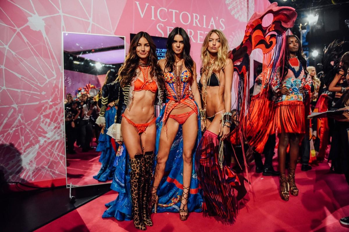 tommy-ton-victoria-secret-fashion-show-2015-018